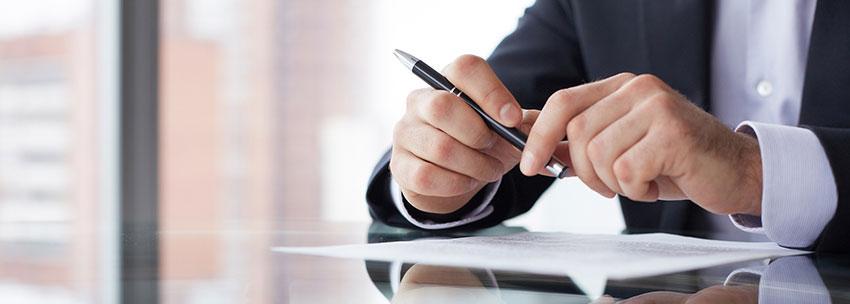 اسناد و مدارک مربوط به نوع کالا، بارنامه و فاکتور تجاری از مهم ترین مدارک مورد نیاز گمرک محسوب می شود.