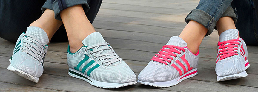 کفش ورزشی زنان در پاشنه باریکتر و در جلوی پا بازتر هستند و چرم لایه سرپنجه کفش بهتر میتواند با آناتومی یک زن تطابق پیدا کند