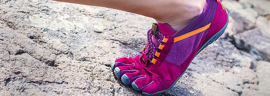 تئوریها و تکنولوژیها برای ساخت کفش ورزشی با هدف دستیابی به بهترین امکانات دویدن میباشد.